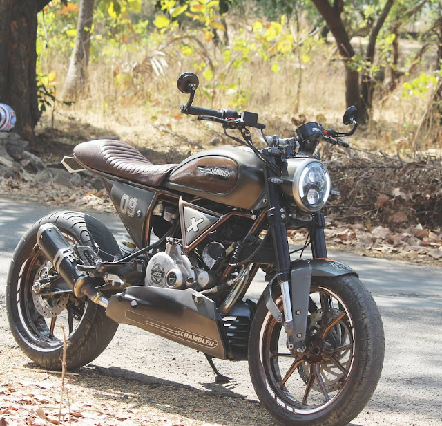 Pulsar 180 Modified into Ducati Scrambler