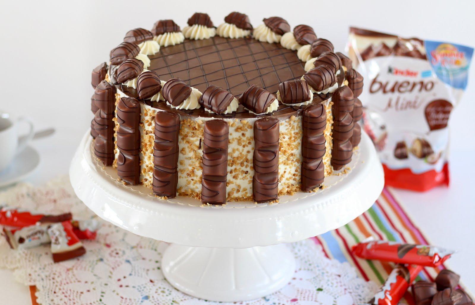 Unwiderstehliche Kinder Bueno Torte - der absolute Knaller für Haselnuss-Lover und Schoko-Freaks | Rezept und Video