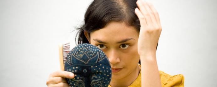 Coiffures pour femmes avec des cheveux clairsemГ©s