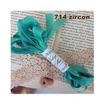 https://www.artimeno.pl/wstazka-vintage/8304-wstazka-vintage-zircon-3m.html?search_query=zircon&results=1