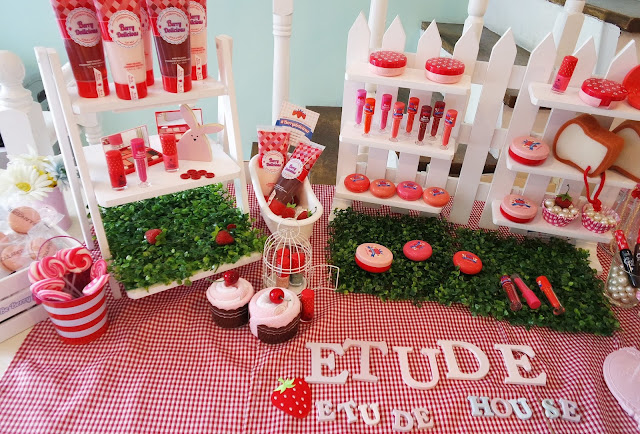 A photo of Etude House Berry Delicious Collection