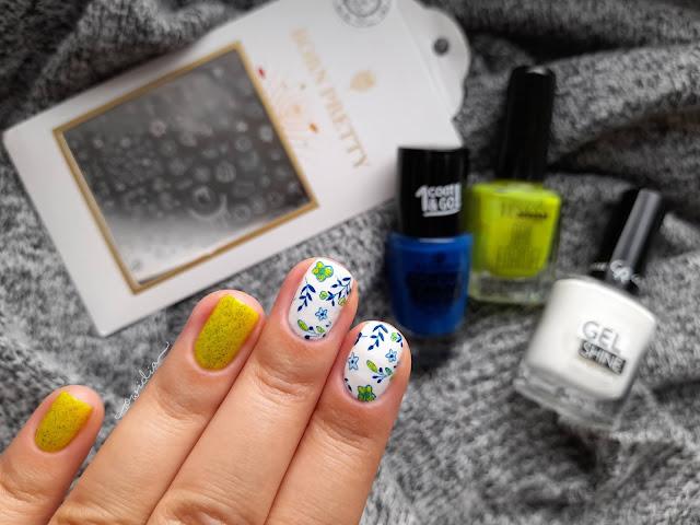 Wracam do blogowania! Kwiatowe zdobienie paznokci w letnich kolorach.