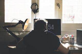 7 Tips Mengusir Rasa Malas Saat Bekerja Dengan Sangat Mudah