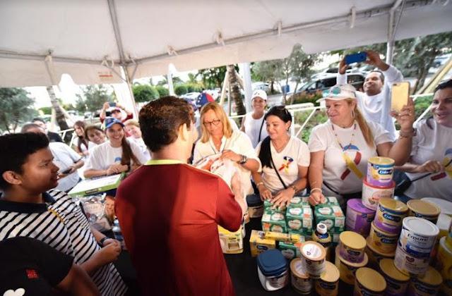 EE.UU: Embajador Carlos Vecchio liderizó recolección de ayuda humanitaria para niños venezolanos