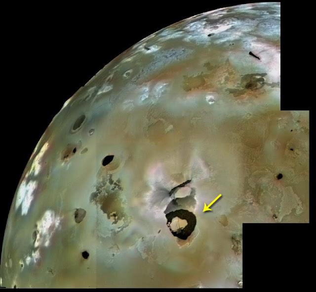 Vulcão Loki Patera em Io
