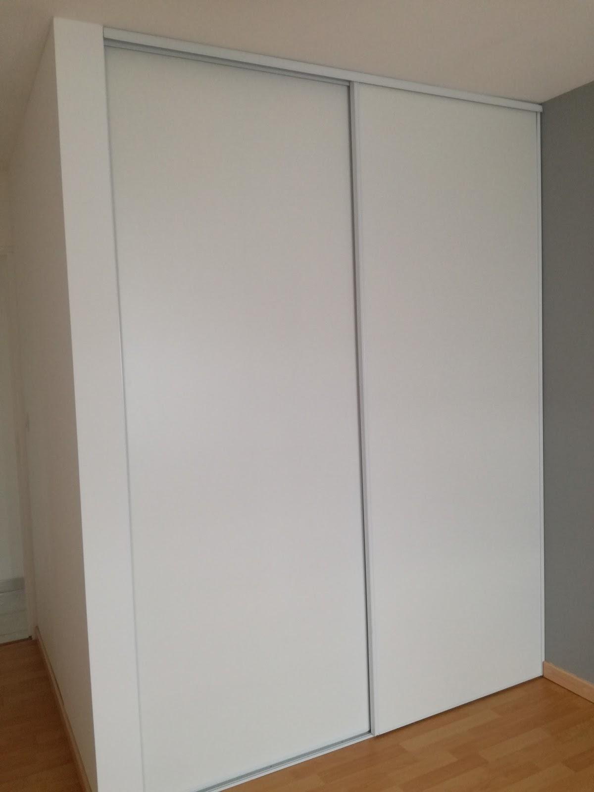 r aliser un placard coulissant et sa cloison truc tricks. Black Bedroom Furniture Sets. Home Design Ideas
