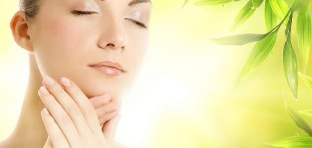 أفضل قناع للبشرة لعلاج ضربة الشمس والكلف والنمش في المنزل