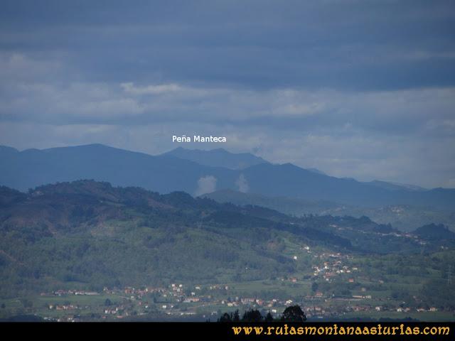 Ruta Torazo, Pico Incos: Vista desde el Incos de la Sierra de Peña Manteca