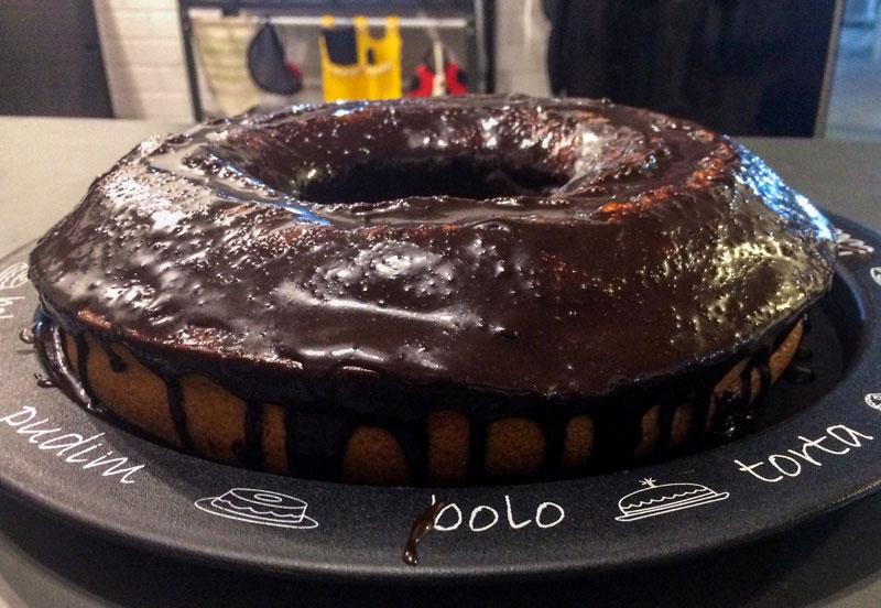 Bolo de chocolate feito pelo Thiago Inter.