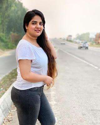 Neha Gadhvi make up artist