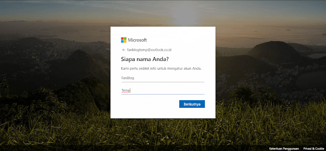 Pengisian Informasi Pribadi Saat Mendaftar Akun Microsoft Gratis