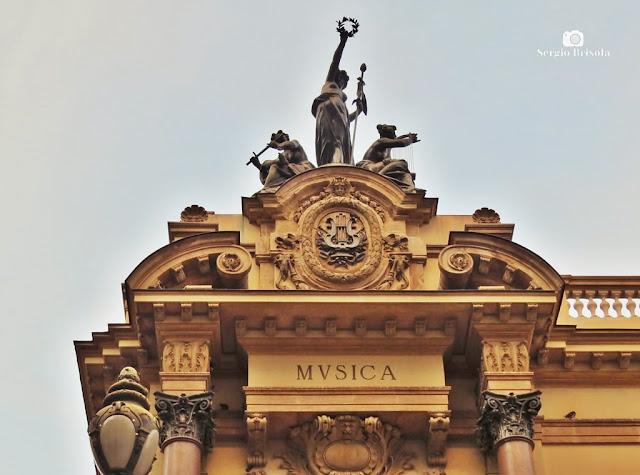 Close-up do Conjunto escultórico Música - Teatro Municipal SP - São Paulo
