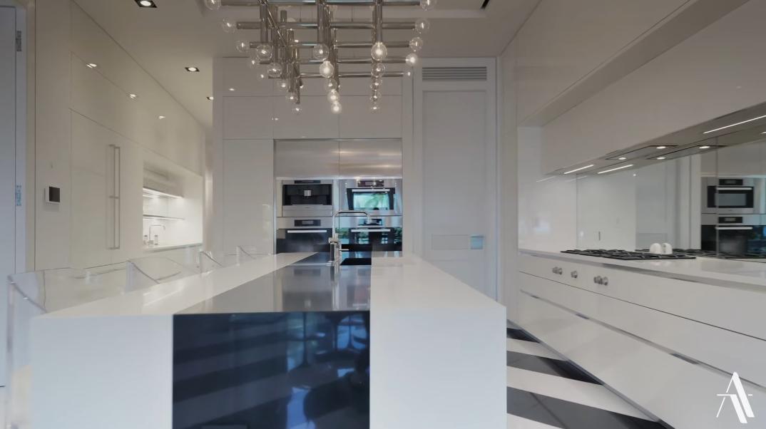 89 Interior Photos vs. 605 Ocean Blvd, Golden Beach, FL Ultra Luxury Modern Mansion Tour