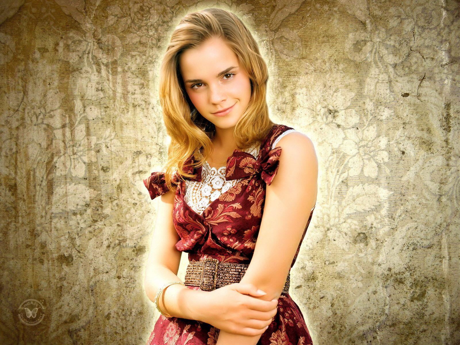 Hollywood: Emma Watson HD Wallpapers 2012
