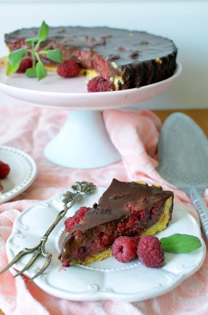 tarta%2Bmalinowa%2Bz%2Bczekolad%25C4%2585 Tarta czekoladowa z malinami