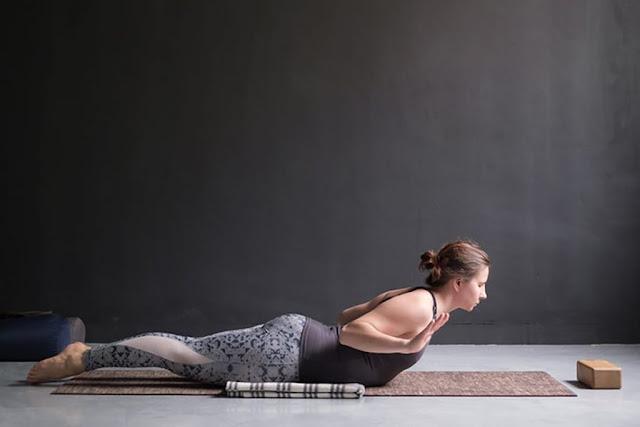 Đây là bài tập yoga SALABHASANA