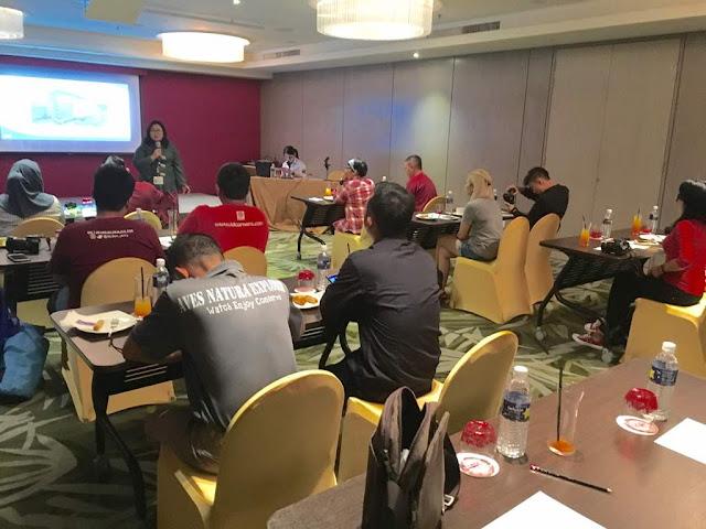 dr Karen Pamela Soh menjelaskan tentang JMC