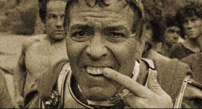 Bangsa Romawi Membersihkan Mulut Memakai Air Kencing