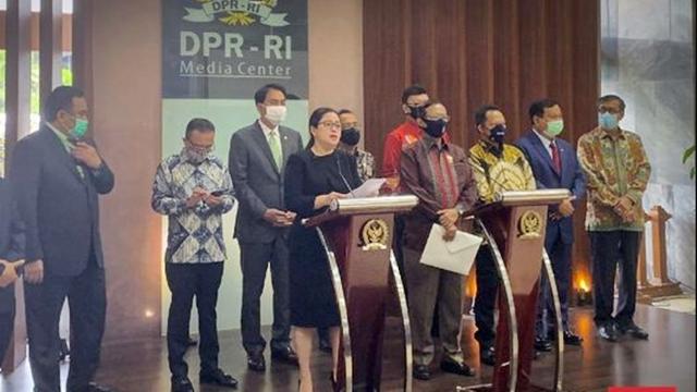 Mahasiswa, Buruh dan PA 212 Demo, Jokowi Utus Prabowo, Tito, Yasonna dan Mahfud ke DPR
