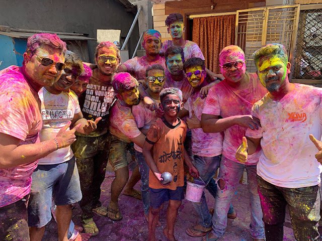 holi colors festival worli koliwada fort mumbai travel blog