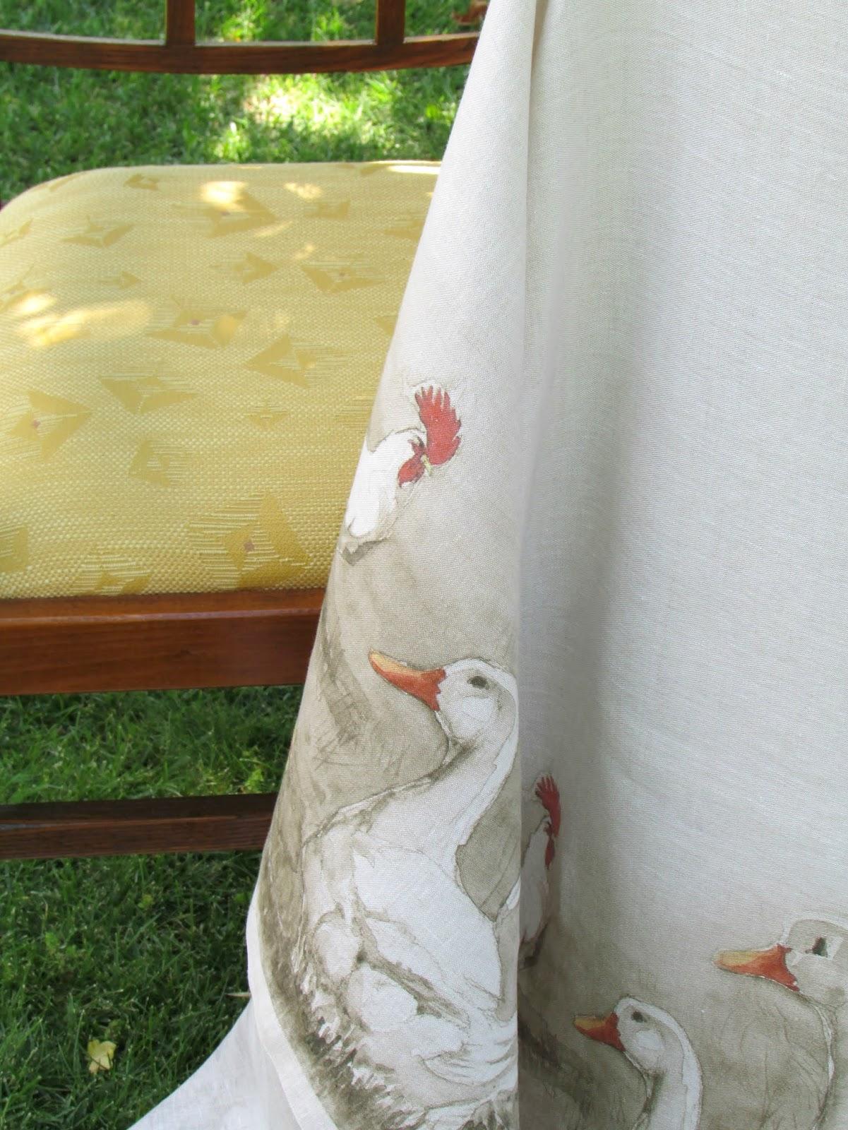 tovaglia in lino dipinta a mano