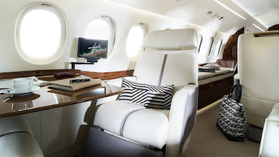 The Falcon 7X from inside