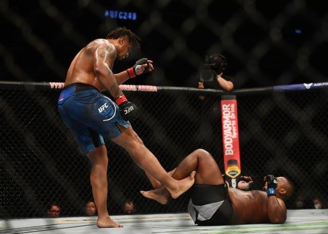 Greg Hardy kicks Yorgan De Castro UFC 249