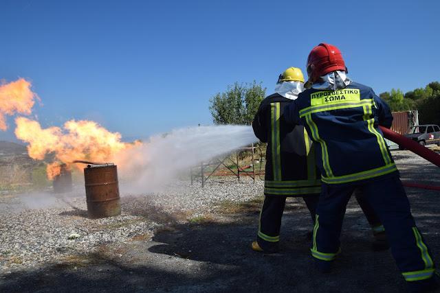 Εκπαίδευση εθελοντών πυροσβεστών σε πυρκαγιές αερίων καυσίμων