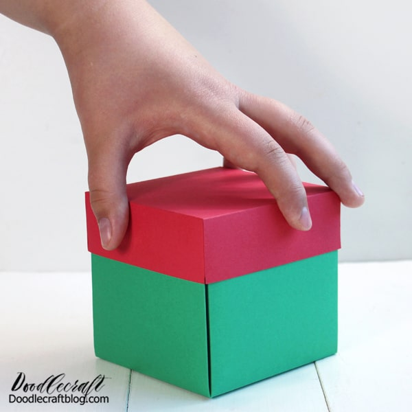 This explosion box is loaded and ready to just lift the lid off...