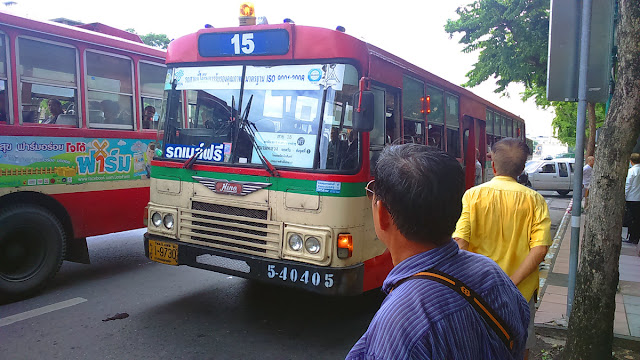 Gratis Keliling Bangkok Dengan Bus Ini Pelancong Irit