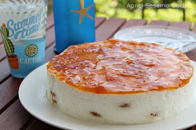 Torta fredda con mousse di yogurt