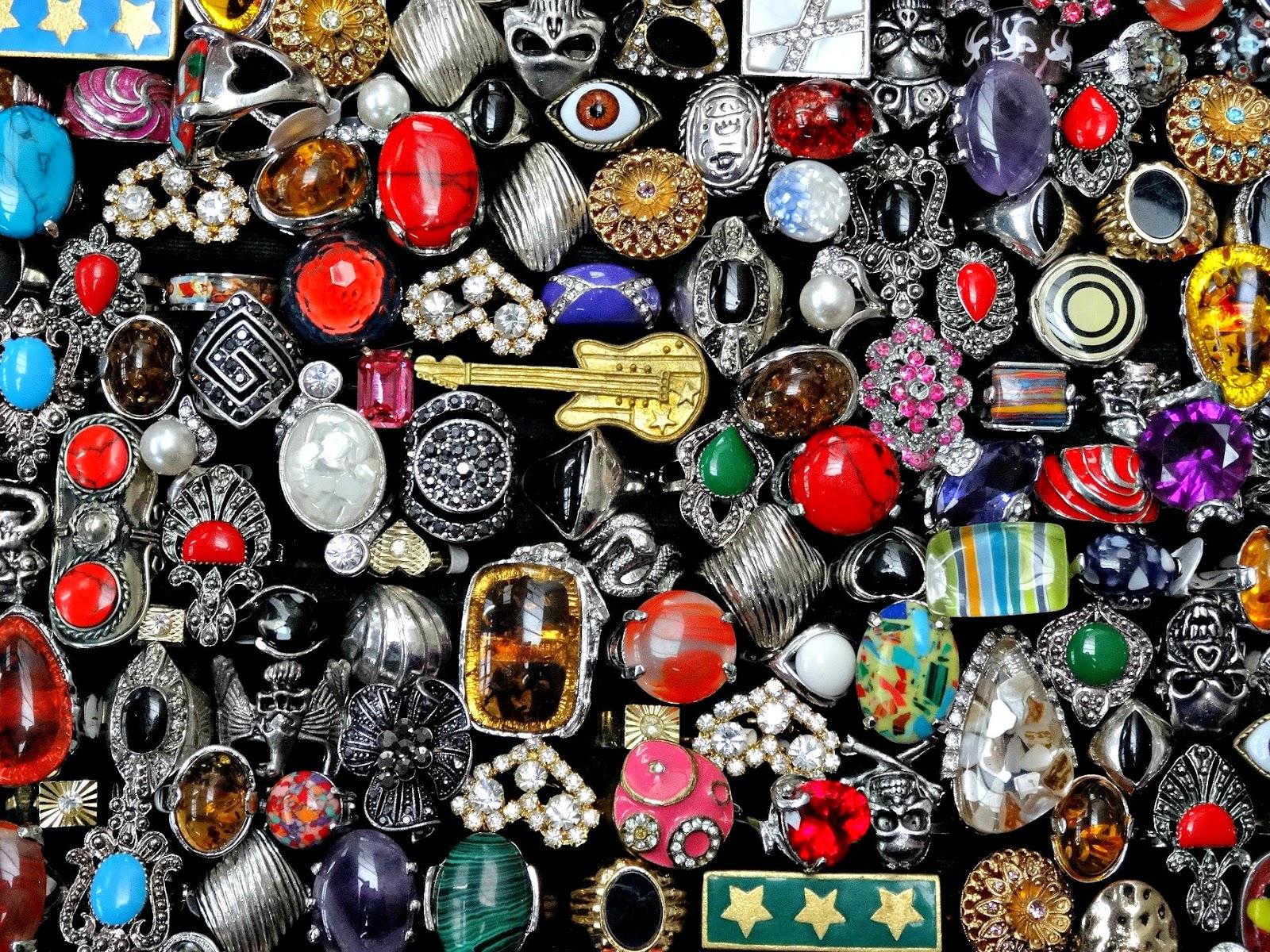Vintage Kilo Sale Birmingham Junk Jewellery