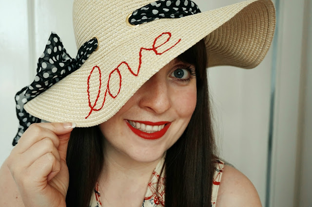 how to make a slogan straw hat