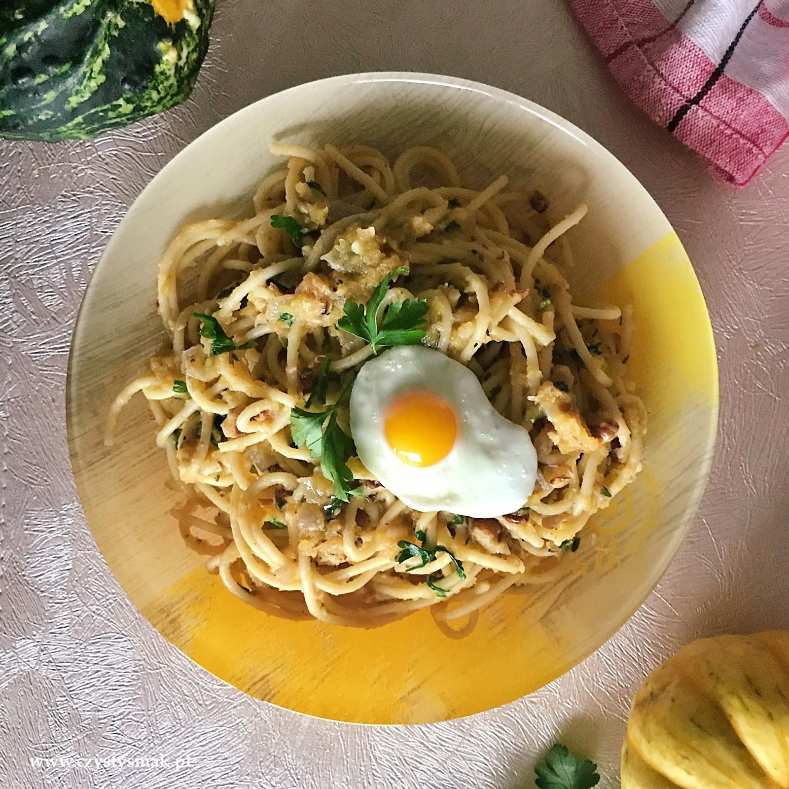 Spaghetti z dynią i orzechami