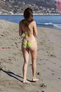 Blanca+Blanco+in+Tiny+Yellow+Bikini+in+Malibu+Ass+Crack+Cleavages+Boobs+Cleavages+Exposed+%7E+SexyCelebs.in+Exclusive+009.jpg