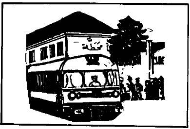 Bus Berhenti di Stasiun