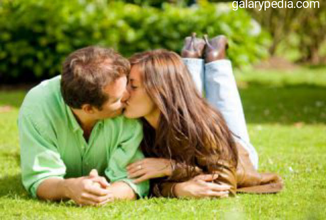 Kiss in garden pictures