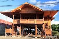 rumah kayu woloan