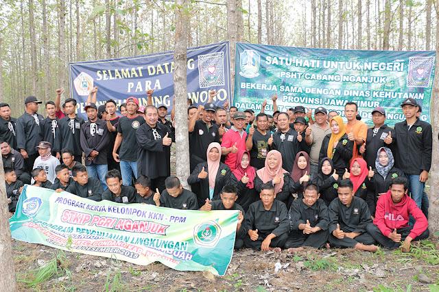 Program Penghijauan Lingkungan Persatukan Berbagai Elemen Masyarakat