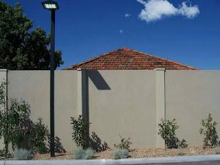 รั้วบ้านอิฐบล็อกฉาบปูน