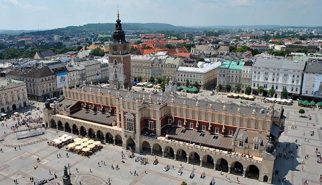 Kota Krakow yang berusia dua puluh ribu tahun yang masih menyisakan kemegahan masa lalunya