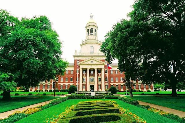 Baylor University Confers Degrees on Spring Graduates, Honor Students Named, Metamora Herald