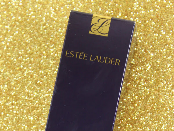 Foundation Quest: Estee Lauder Perfectionist Youth-Infusing Makeup - 1C1 Cool Bone Swatches & Review