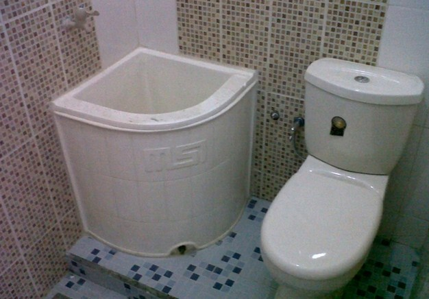 20 Desain Kamar mandi kecil, minimalis Cocok Untuk Orang Indonesia