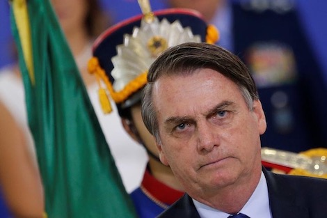 الرئيس البرازيلي يدعم نيمار بشأن اغتصاب فتاة
