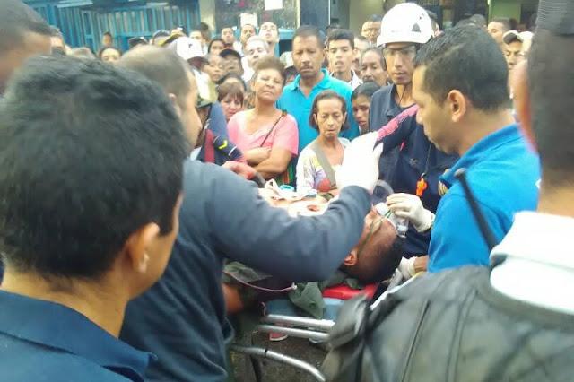 Guardias ebrios chocaron contra un autobús en Maracay dejando heridos
