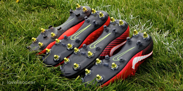 29a18ffec In Detail - Nike Anti-Clog Boots Technology - What is It, How Good ...