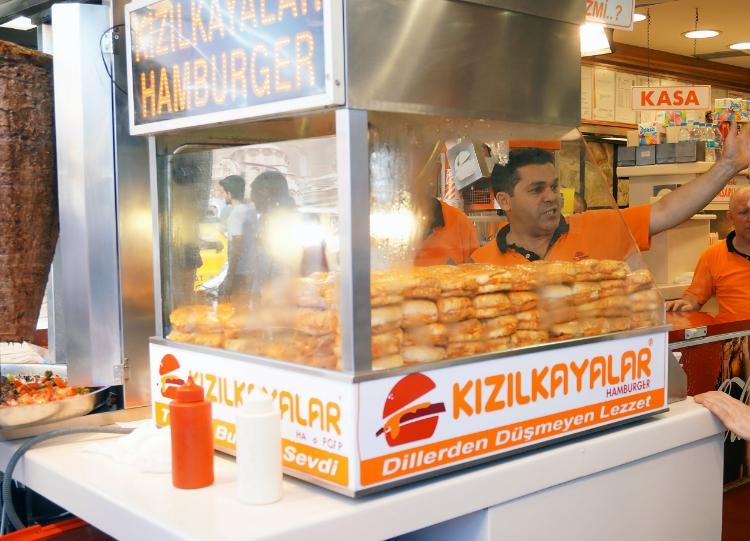 Euriental | Istanbul, Turkey. Kizilkayalar islak wet burger