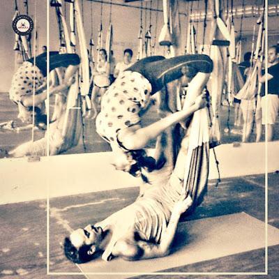 formation yoga aérien, formation aeroyoga, stage yoga aérien, cours en ligne, cours online, cous à distance. yoga aérien, pilates aérien, fitness aérien, formation pilates aérien, ayurveda