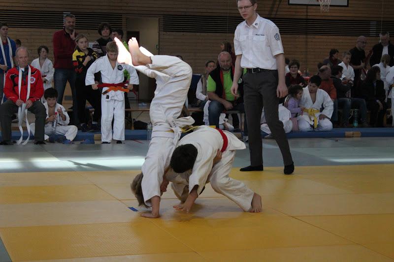 Sie sucht ihn judo